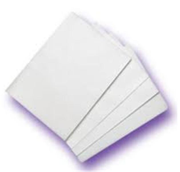пачка бумаги для цветной печати на принтере